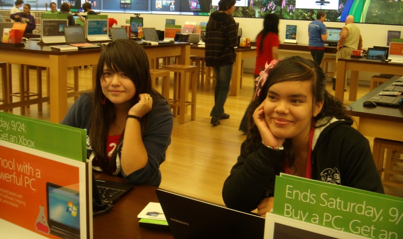 Field Trip to Cisco and The Microsoft Store - KidsTek